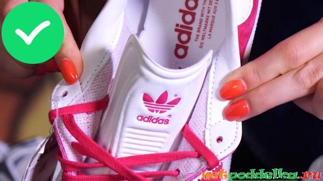 Идеальные строчки внутри оригинальных кроссовок Adidas