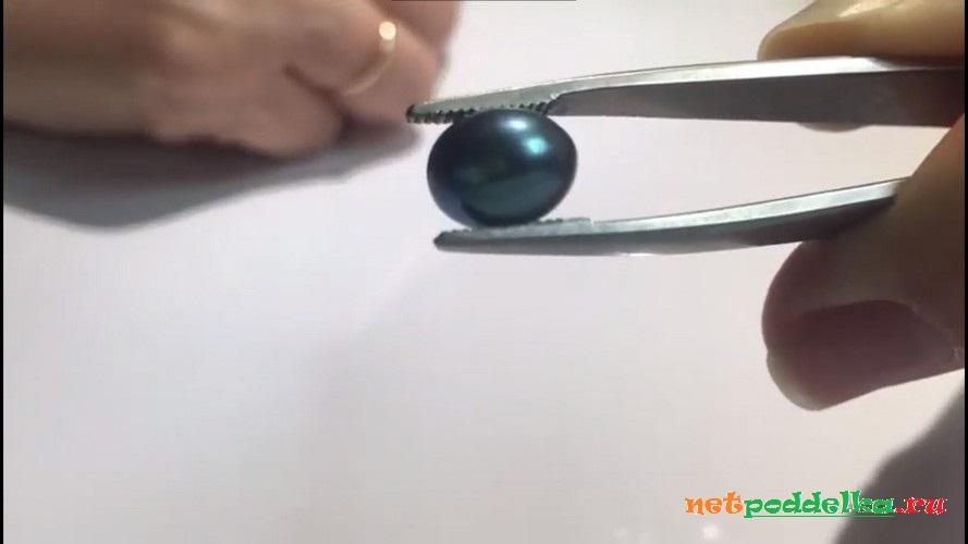 Перламутр после протирания пальцем
